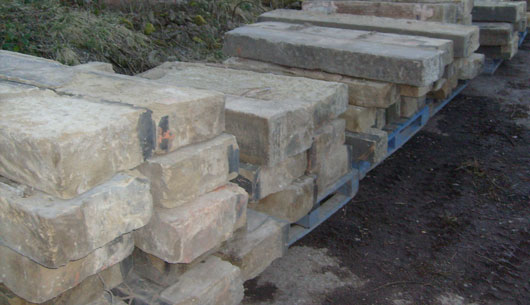RECLAIMED STONE LINTALS